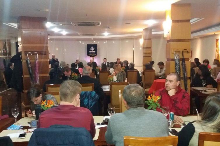 Jantar em Bento Gonçalves (RS) Capítulo 530 (16/09)