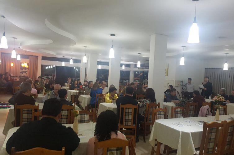 Jantar em Constantina (RS) Capítulo 888 (06/07)