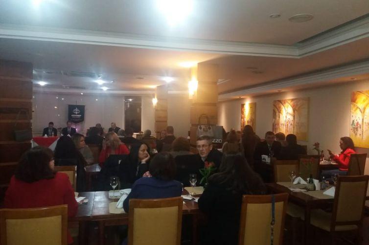 Jantar em Bento Gonçalves (RS) Capítulo 530 (02/08)