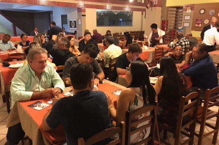 (Português do Brasil) Jantar em Cariacica (ES) Capítulo 191 (05/10)