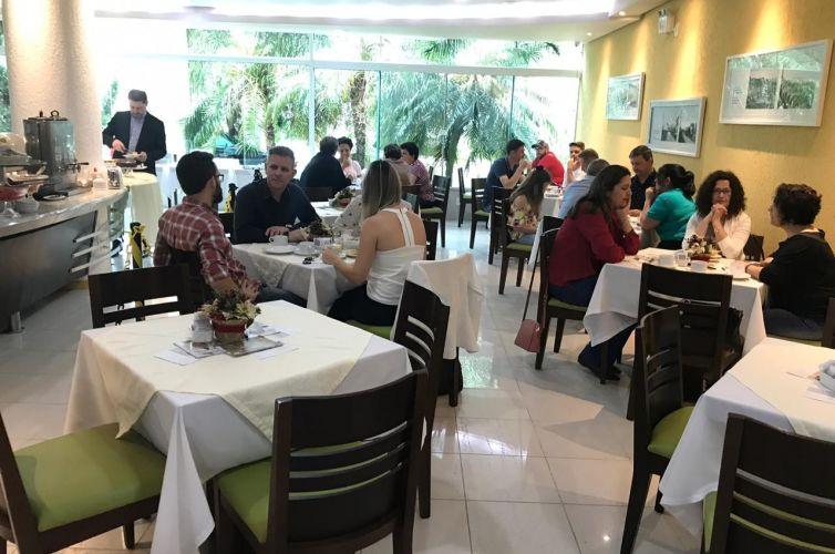 Café da manhã em Rio do Sul (SC) Capítulo 395 (01/12)