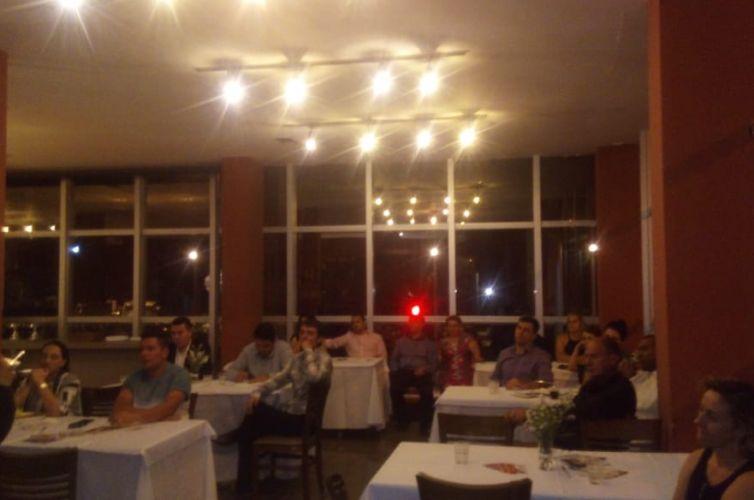 (Português do Brasil) Jantar em Varginha (MG) Capítulo 108 (30/11)