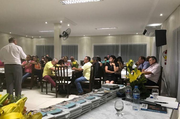 (Português do Brasil) Jantar em Balneário Barra do Sul (SC) Capítulo 033 (12/12)