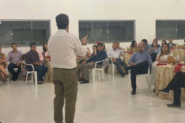 (Português do Brasil) Jantar em Rio Verde de Mato Grosso (MS) Capítulos 602 e 988 (09/12)