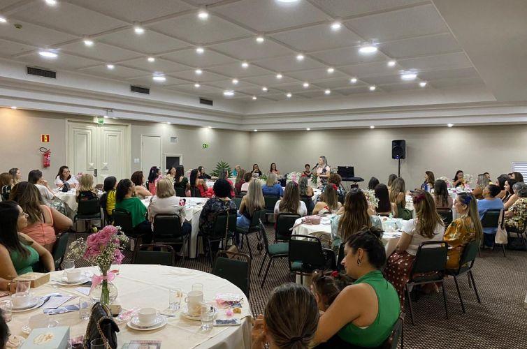 (Português do Brasil) Chá em Foz do Iguaçu (PR) Capítulo 032 (14/03)