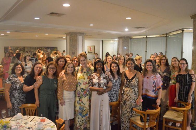 (Português do Brasil) Chá em Joinville (SC) Capítulo 017 (14/03)