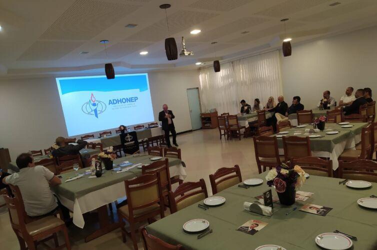 (Português do Brasil) Jantar em Feira de Santana (BA) Capítulo 681 (29/10)