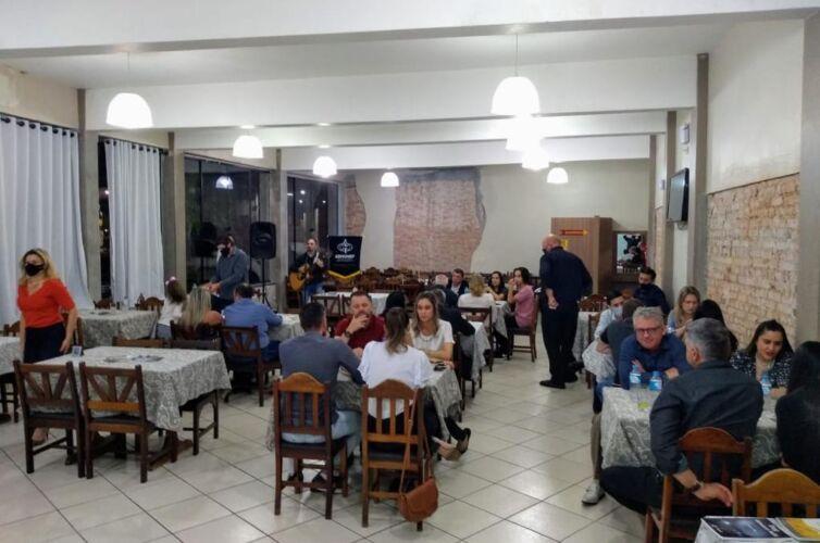 (Português do Brasil) Jantar em Carazinho (RS) Capítulo 866 (20/11)