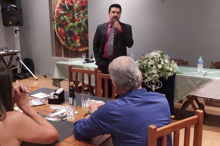 (Português do Brasil) Jantar em Garça (SP) Capítulo 299 (08/12)