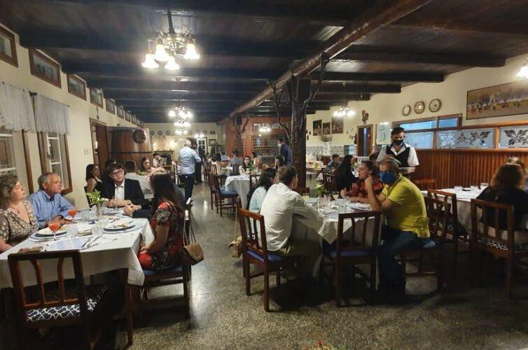 (Português do Brasil) Jantar em Domingos Martins (ES) Capítulo 1524 (03/12)