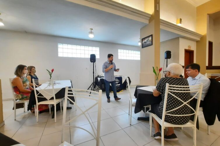 (Português do Brasil) Almoço em Florianópolis (SC) Capítulo 1557 (17/04)
