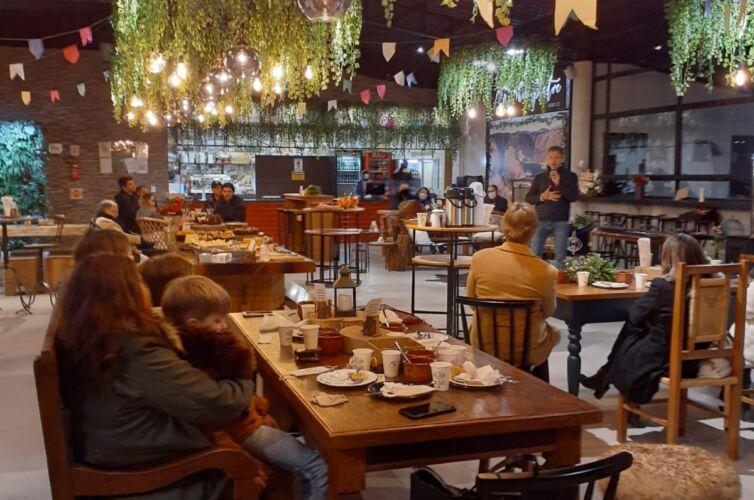 (Português do Brasil) Café colonial em Urubici (SC) (20/08)